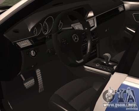 Mercedes-Benz E63 AMG W212 para GTA San Andreas vista hacia atrás