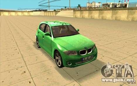 BMW 118i para GTA San Andreas vista hacia atrás