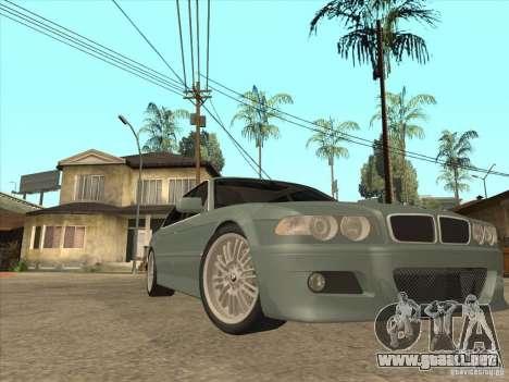 BMW E38 M7 para GTA San Andreas vista hacia atrás