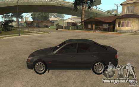 BMW 523i E39 1997 para GTA San Andreas left
