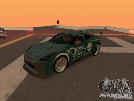 Nissan GT-R R35 rEACT para GTA San Andreas left