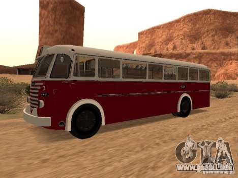 Ikarus 60 para GTA San Andreas left