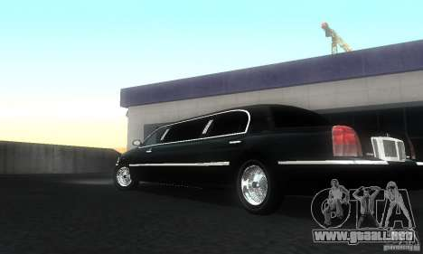 Lincoln Towncar limo 2003 para GTA San Andreas left