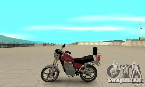 Suzuki Intruder 125cc para GTA San Andreas left