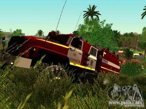 Fuego de Ural 5557-40 para GTA San Andreas left