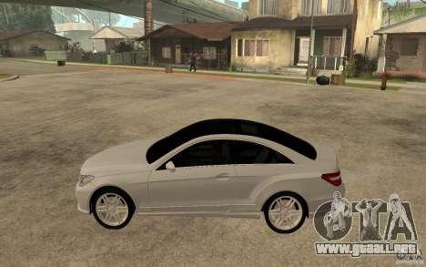 Mercedes Benz E-CLASS Coupe para GTA San Andreas left