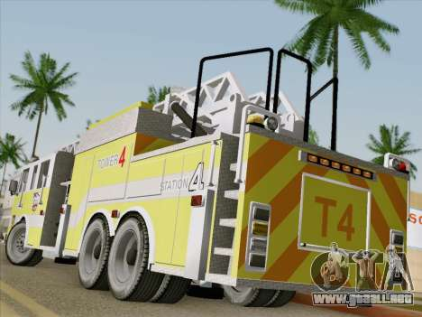 Pierce Arrow XT BCFD Tower Ladder 4 para GTA San Andreas vista posterior izquierda