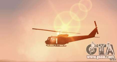UH-1H para GTA San Andreas vista posterior izquierda