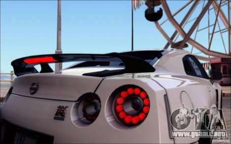 Nissan GTR 2011 egoísta (versión con suciedad) para las ruedas de GTA San Andreas