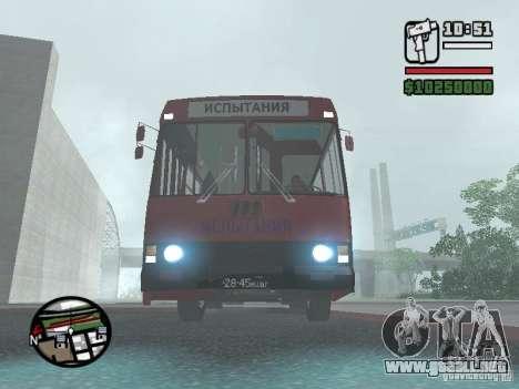 LAZ 5252 para GTA San Andreas left