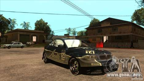 BMW 135i Coupe GP Edition Skin 3 para GTA San Andreas vista hacia atrás