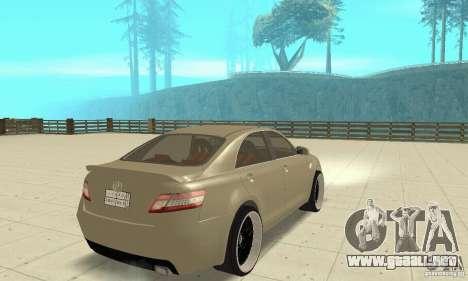 Toyota Camry Tuning 2010 para GTA San Andreas left