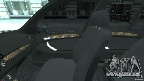 BMW X5 E53 v1.3 para GTA 4 vista hacia atrás