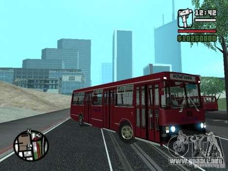 LAZ 5252 para GTA San Andreas vista hacia atrás