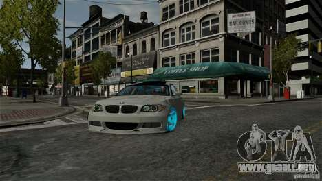 BMW 135i HellaFush para GTA 4 vista hacia atrás