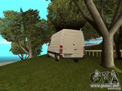 Mercedes Sprinter 311CDi beta para GTA San Andreas left