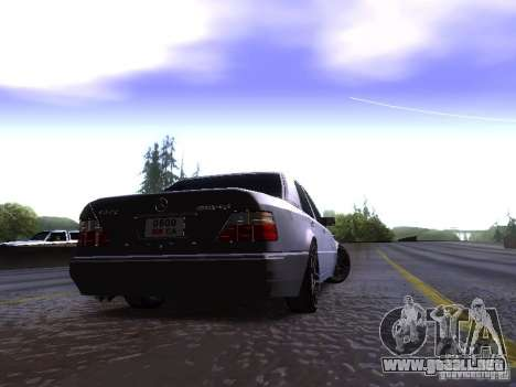 Mercedes-Benz E500 W124 para GTA San Andreas vista hacia atrás