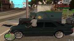 Disparar fuera del auto en GTA 4