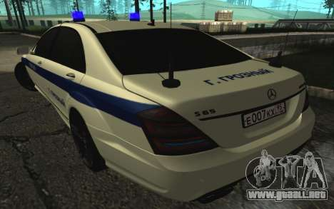 Mercedes-Benz S65 AMG W221 para la visión correcta GTA San Andreas