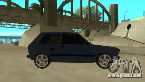 Zastava Yugo 1.1 para GTA San Andreas vista posterior izquierda