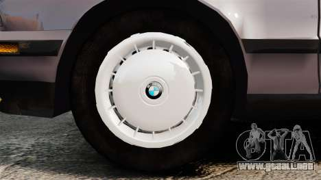 BMW 535 E34 Touring para GTA 4 vista hacia atrás