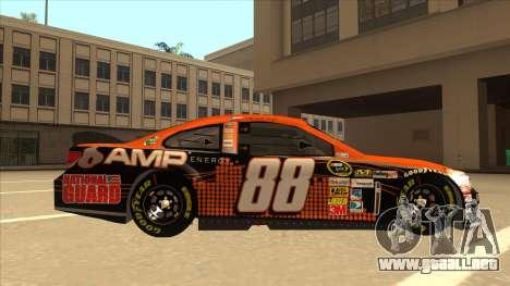 Chevrolet SS NASCAR No. 88 Amp Energy para GTA San Andreas vista posterior izquierda