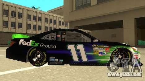 Toyota Camry NASCAR No. 11 FedEx Ground para GTA San Andreas vista posterior izquierda