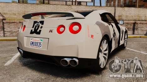 Nissan GT-R Black Edition 2012 Ski Slope Camo para GTA 4 Vista posterior izquierda