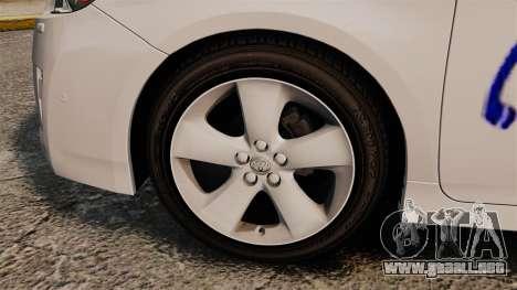 Toyota Prius 2011 Warsaw Taxi v3 para GTA 4 vista hacia atrás