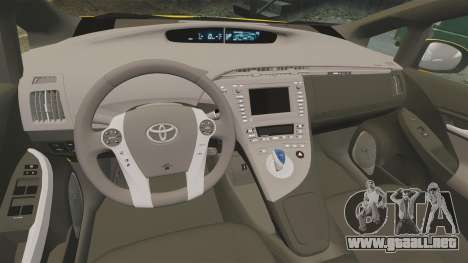 Toyota Prius 2011 Warsaw Taxi v3 para GTA 4 vista lateral