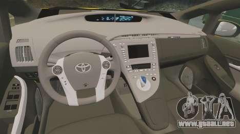 Toyota Prius 2011 Warsaw Taxi v4 para GTA 4 vista lateral