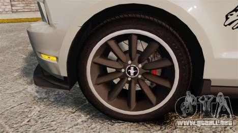 Ford Mustang 2012 Boss 302 Fiery Horse para GTA 4 vista hacia atrás