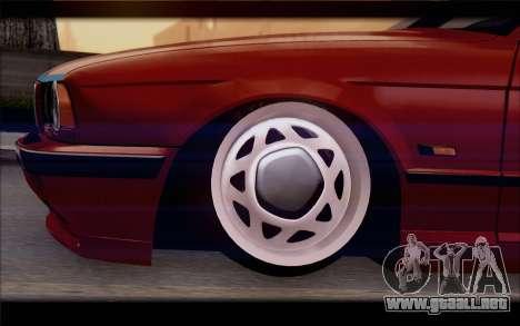 BMW E34 para GTA San Andreas vista posterior izquierda
