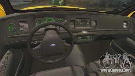 Ford Crown Victoria 1999 NYC Taxi v1.1 para GTA 4 vista hacia atrás