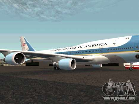 Boeing-747-400 Airforce one para GTA San Andreas left
