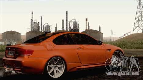 BMW M3 E92 2008 Vossen para GTA San Andreas vista posterior izquierda