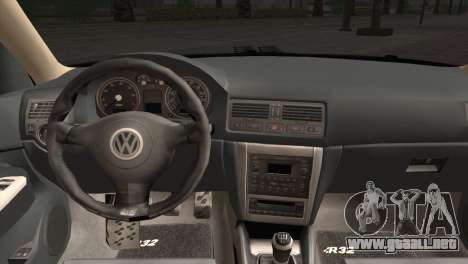 Volkswagen Golf IV Hellaflush para GTA San Andreas vista hacia atrás