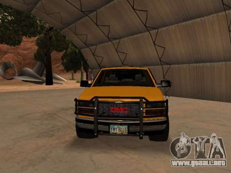 GMC Yukon para GTA San Andreas left