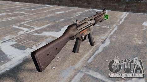 Subfusil HK MP5 con linterna para GTA 4 segundos de pantalla