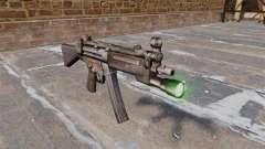 Subfusil HK MP5 con linterna