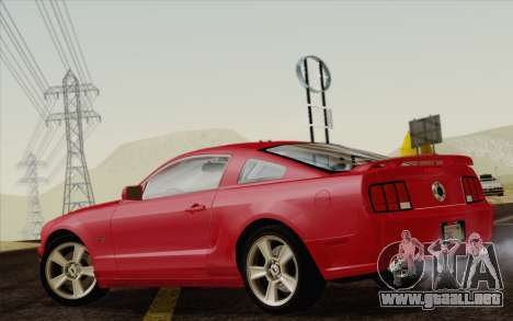 Ford Mustang GT 2005 para GTA San Andreas left