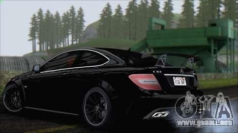 Mercedes C63 AMG Black Series 2012 para la visión correcta GTA San Andreas