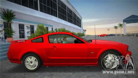 Ford Mustang GT 2005 para GTA Vice City vista posterior