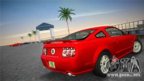 Ford Mustang GT 2005 para GTA Vice City vista lateral izquierdo
