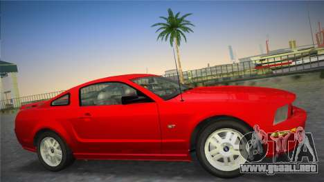 Ford Mustang GT 2005 para GTA Vice City left