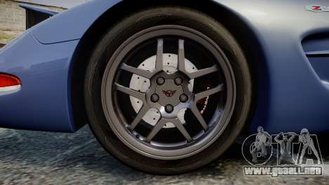 Chevrolet Corvette Z06 (C5) 2002 v2.0 para GTA 4 vista hacia atrás