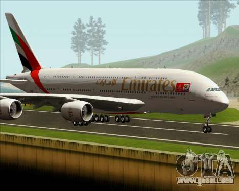 Airbus A380-841 Emirates para GTA San Andreas left