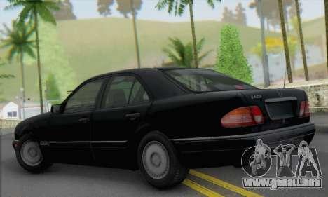 Mercedes-Benz E420 W210 para GTA San Andreas left
