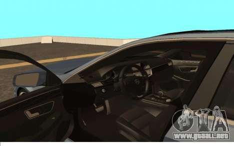 Mercedes-Benz W212 (Wheeljack from TF 3) para la visión correcta GTA San Andreas