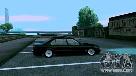 BMW 750iL para GTA San Andreas vista posterior izquierda